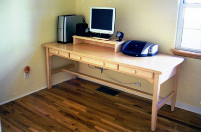 Maple Students Desk