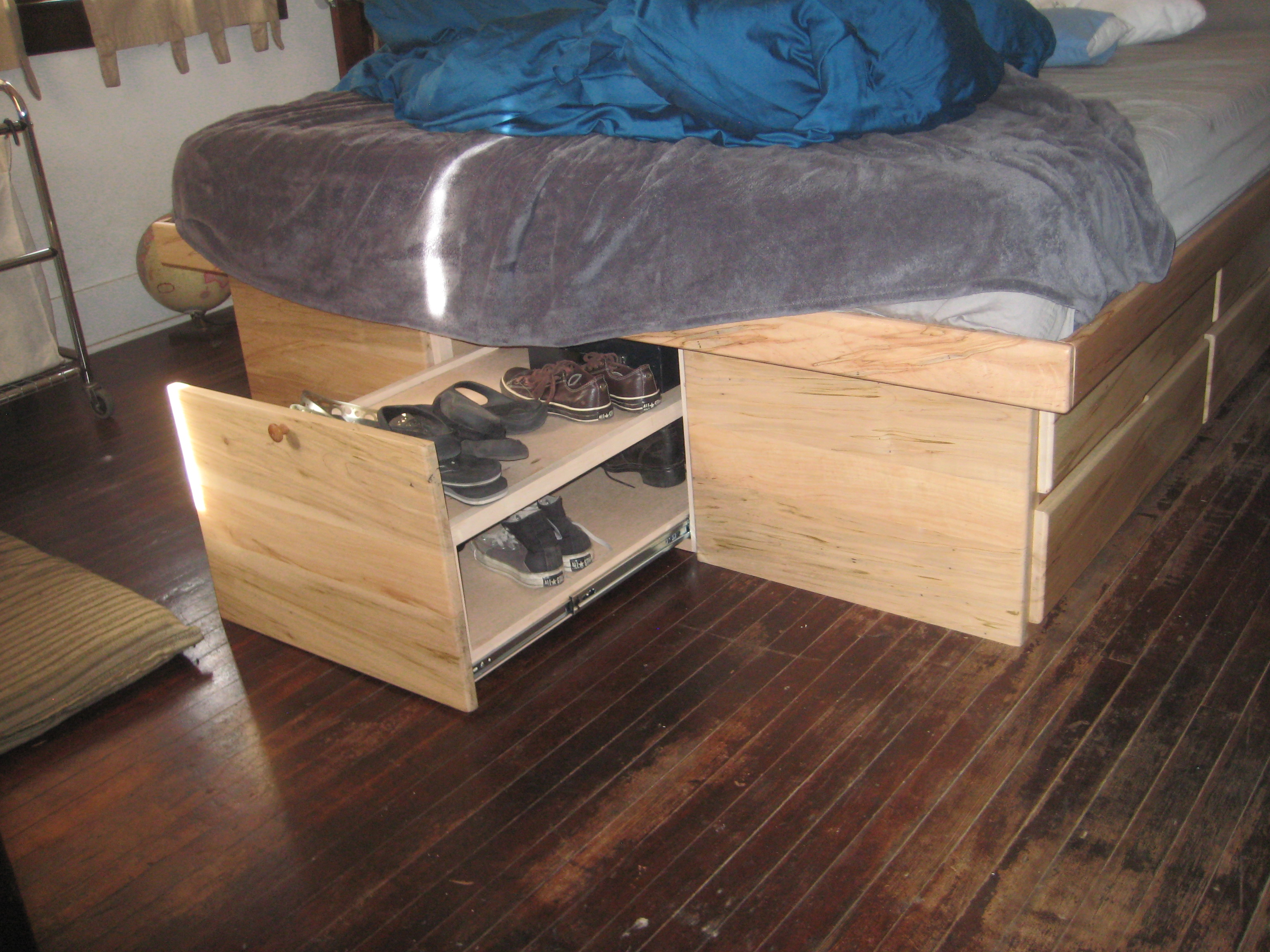 Shoe drawer pullout